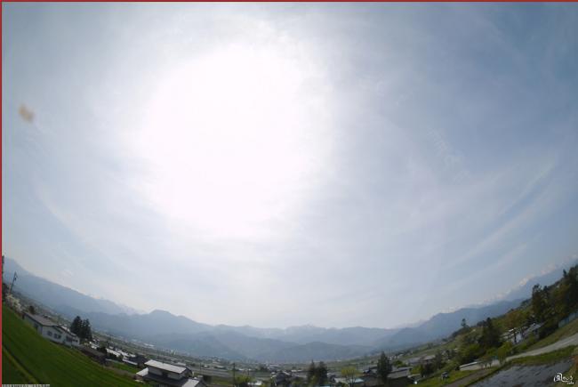 安曇野から遠望する後立山連峰と北の大空のライブカメラ
