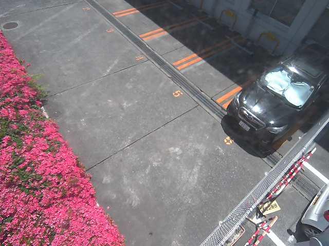 NTTルパルク伊那狐島第1駐車場からコインパーキングが見れるライブカメラ1